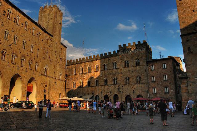 Piazza del Borgo di Volterra
